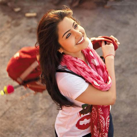 Sarma Syari anushka sharma smile hd wallpaper stylishhdwallpapers