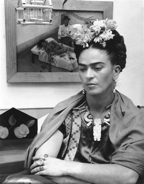 best biography frida kahlo 102 best images about artistas pl 225 sticos on pinterest