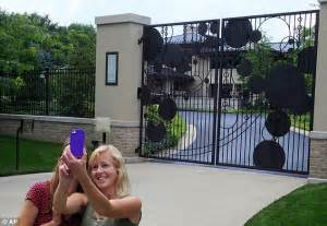 lebron james house ohio cleveland cavaliers fans gather outside lebron james akron home daily mail online