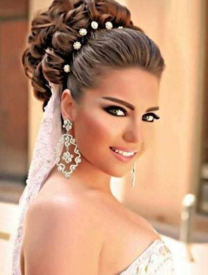 Wedding Hair Updo With Veil by 15 Chic Wedding Hair Updos For Brides