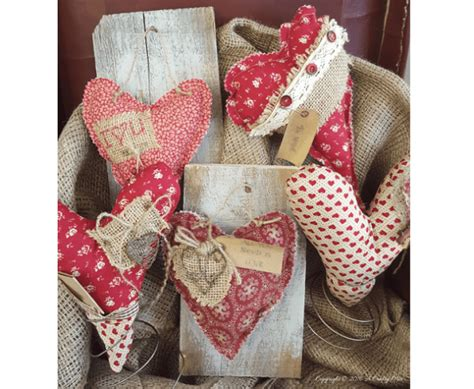 fabric crafts spring tutorial primitive fabric hearts in bed stands