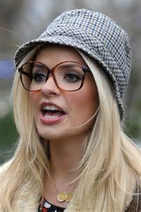 holly willoughby round face shaoe photo