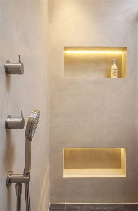 beleuchtung nische die 25 besten ideen zu beton badezimmer auf