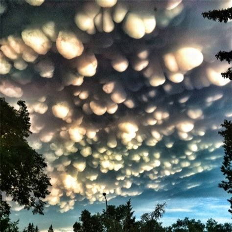 Fascinating Meaning by Fascinating Cloud Formations Incredible Mammatus Clouds