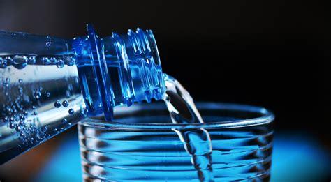 agua embotellada o del grifo el agua en india 191 del grifo o embotellada 191 purificada o