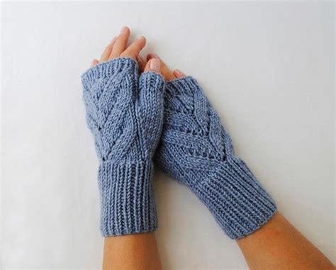 knit gloves pattern knit gifts to make for all your friends this
