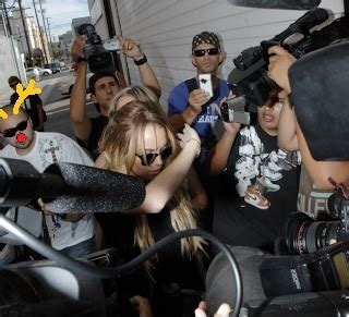 Lindsay Vs The Paparazzi by Do A Right To A The Times