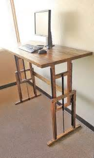 Adjustable Standing Desk Diy 25 Best Ideas About Diy Standing Desk On Standing Desks Standing Desk Height And