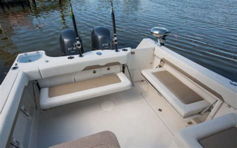 sailfish 275dc 2015 2015 reviews performance compare - Sailfish Boat Rod Holders
