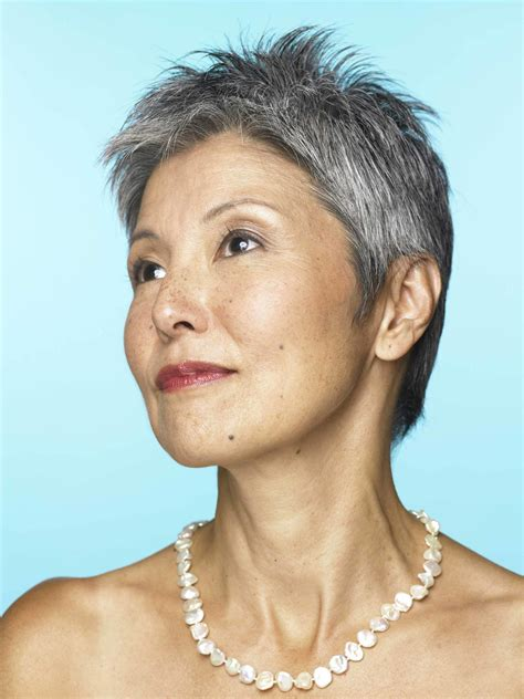 japanesse women with grey hair short gray hair 10 looks we love on older women