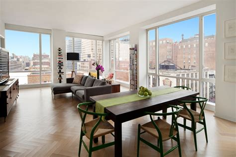 Nyc Apartments Glass Performance Artist Marina Abramović Sells Glass