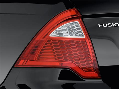 2012 ford fusion tail light 2012 ford fusion pictures photos gallery the car connection