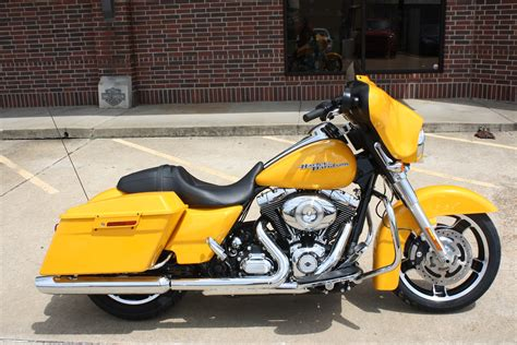 2013 Harley Davidson Flhx Glide by 2013 Harley Davidson Flhx Glide Pics Specs And