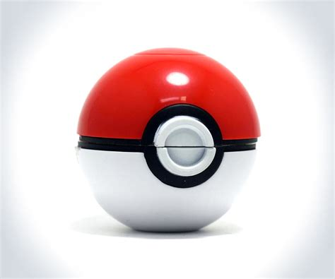 Pokemon Pokeball Herb Grinder   Guys Like Us