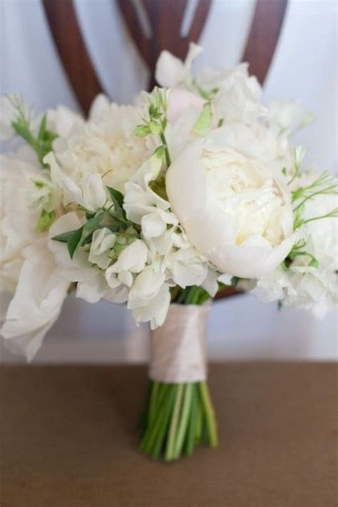 White Wedding Bouquets For Brides by 43 Timelessly White Wedding Bouquets Happywedd