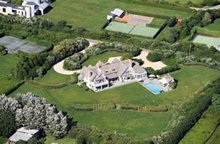 Clinton Home Chappaqua crooked hillary clinton stole white house furnishings on