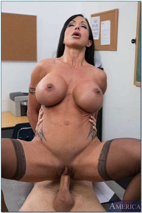 Big Tit Brunette Bimbo Banged Hard In Class Photos Jewels