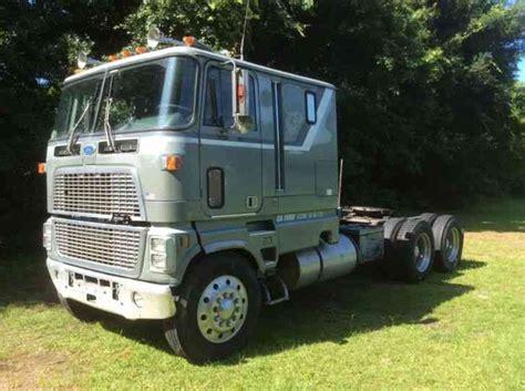 ford cl   sleeper semi trucks