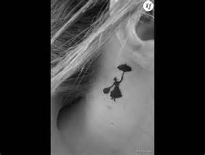un tatouage derri 232 re l oreille poppins