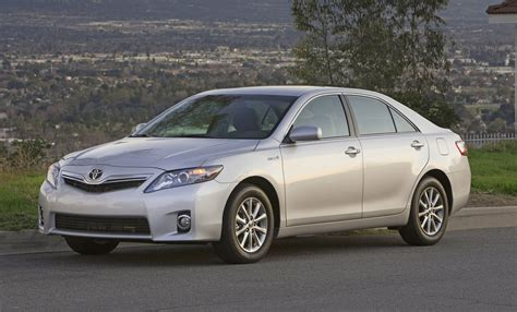how to work on cars 2007 toyota camry hybrid interior lighting toyota replacing brake components on 2007 2011 camry hybrid