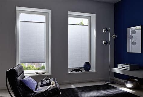 tende per grandi vetrate tende per grandi vetrate esempio di un soggiorno moderno