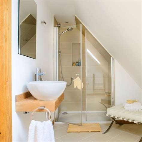 Small Attic Bathroom Ideas by Best 25 Sloped Ceiling Bathroom Ideas On