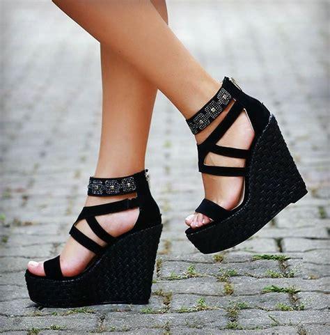 dolgu topuklu ayakkabi yeni moda modeller yeni moda modeller dolgu topuk yazlık ayakkabı modelleri sade kadınlar