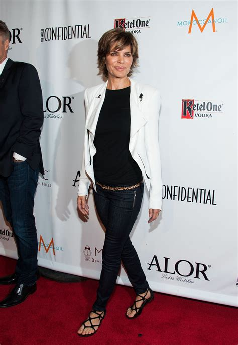 how does lisa rinna stay skinny lisa rinna skinny jeans lisa rinna clothes looks