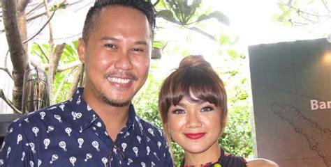 Masalah Kehamilan Nirina Zubir Nirina Zubir Ingin Jelajahi Kuliner Nusantara Momdadi Com