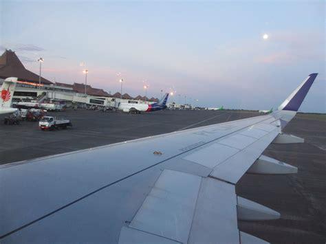 batik air indonesia airbus a320 takeoff from hamburg review of batik air flight from surabaya to jakarta in economy