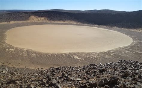 30 Feet In Meters by 11 Fascinating Impact Craters On Earth With Photos Amp Map
