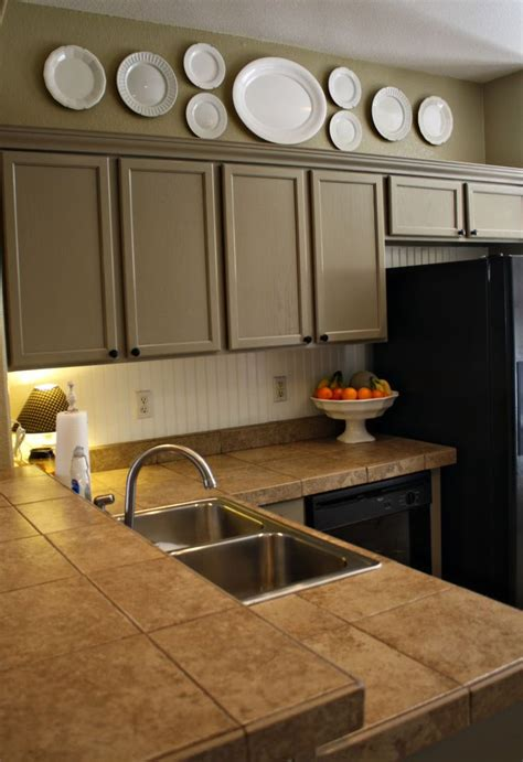 kitchen cabinets in my area best 25 above cabinet decor ideas on top of