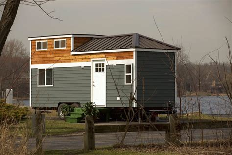 mini house tiny house illinois tiny house swoon