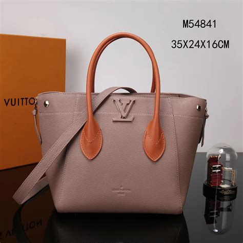 Lv Freedom Tote Bag Original Leather 35 X 24cm Rp 4 400 000 Lv Louis Vuitton M54841 Freedom Handbags Real Leather Bags