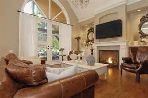 Brown Chairs For Sale Design Ideas Distressed Leather Sofa Family Room Traditional With Cornice Federal Style Mirrors