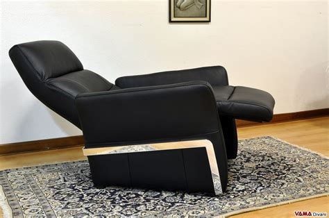reclining armchair reclining armchair in black leather with manual mechanism