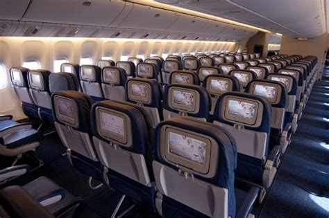 Delta 777 Interior by Delta Air Lines Boeing B777 200er Seat Review By Tom 225 S