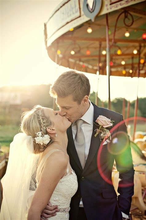 9 Must Have Wedding Photos for the Best Photo Album Ever