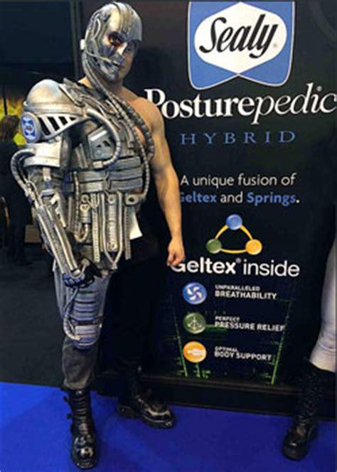 film robot samen zijn tentacle studio rekwisieten en kostuums op maat voor film