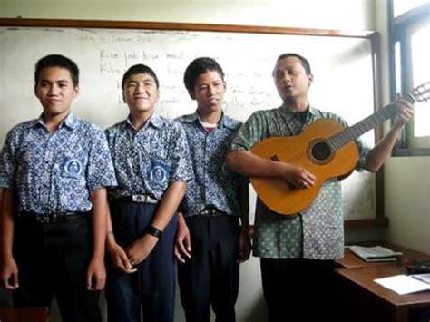 Guru Musik guru musik bak pelita penerang dalam gulita