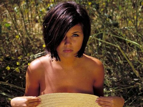 what haircolor does tiffiny amber theissen have tiffani amber thiessen this cut is adorable hair