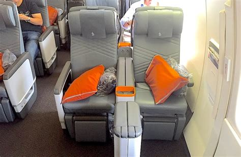 singapore airlines legroom seats review singapore airlines 777 300er in premium economy