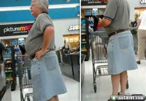 Funny walmart shoppers 28 attention wal mart shoppers look at