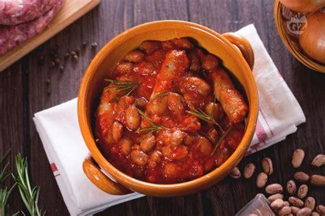 come cucinare la salsiccia fresca ricetta salsiccia e fagioli la ricetta di giallozafferano