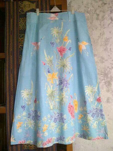 Rok Motif Batik 1000 images about batiks on batik dress kebaya and indonesia