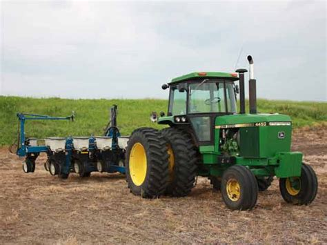 Kinze Planters by Kinze Asks Court To Block Deere From Getting Confidential Materials News Agweb