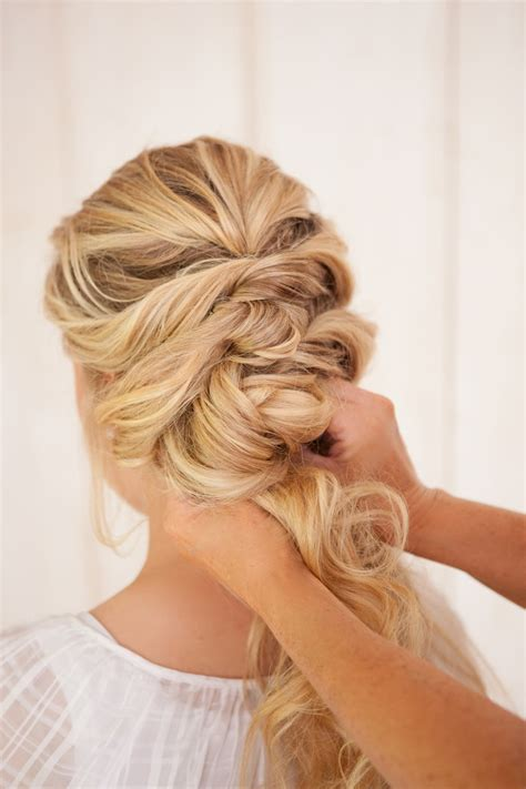 Diy Vintage Wedding Hairstyles by Diy Fancy Twist Bridal Updo Chic Vintage Brides