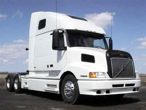 2000 volvo truck right front 2000 white volvo 660 picture volvo truck photoss