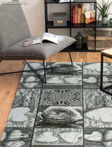 stock tappeti stock tappeti nuovi ancora imballati e fodere per cuscini