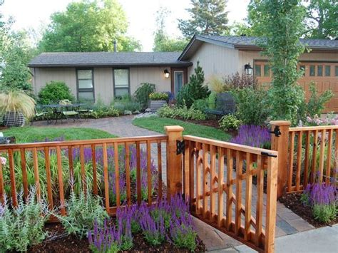 america s backyard fence 25 best ideas about yard fencing on front